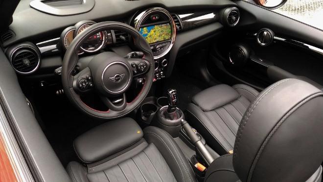 Innenraum Mini Cabrio John Cooper Works