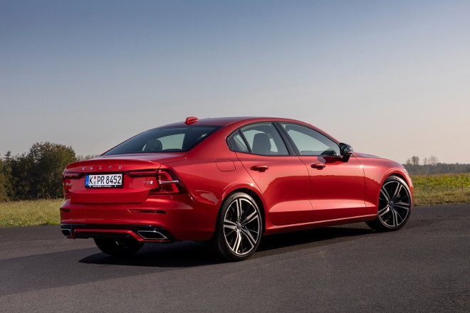 Neuer Volvo S60 R-design in Rot