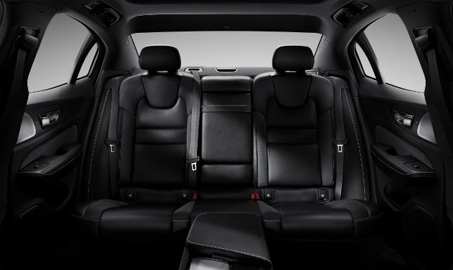 Volvo S60 hinten sitze