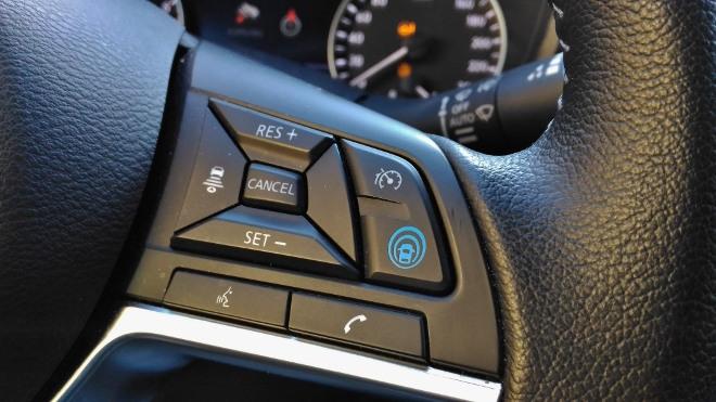 Nissan Juke 2 Tasten am Lenkrad