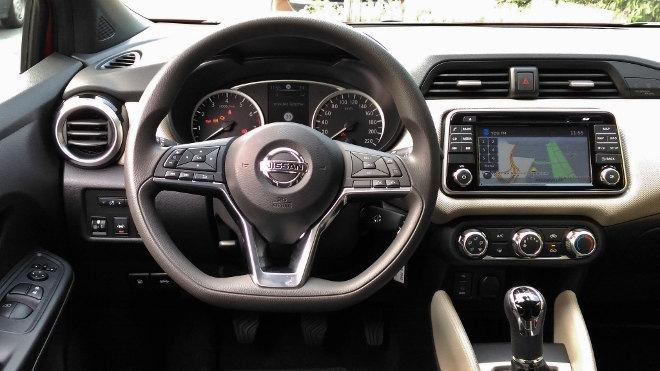 Nissan neuer Micra Innenraum Armaturenbrett
