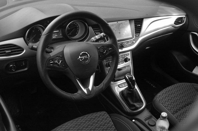 Opel Astra Fünftürer Armaturenbrett