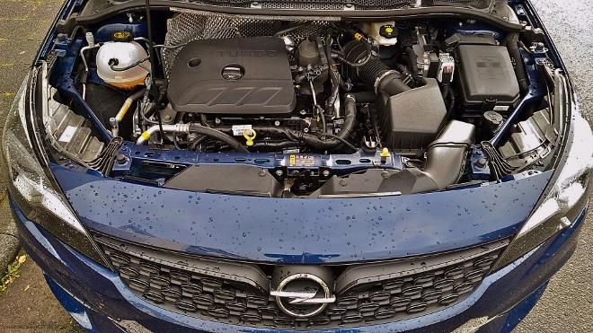 Opel Astra Facelift mit 150 PS starkem Dreizylindermotor und Automatik