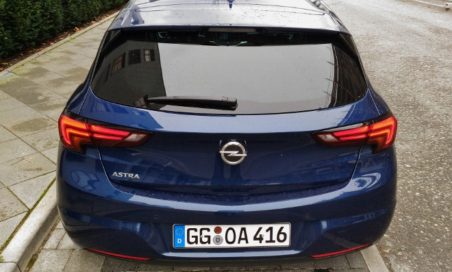 Opel Astra Facelift 150 PS 8-Gang-Automatik Heck