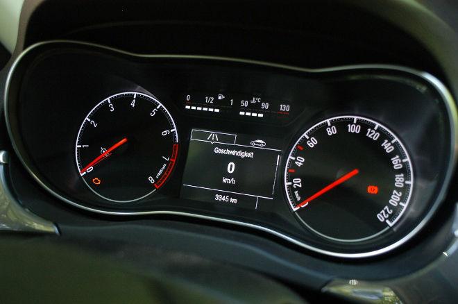 Opel Corsa im Test, Instrumente