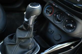 Opel Corsa im Test, Schaltung