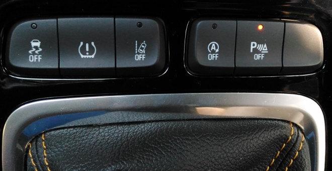 Opel Crossland X Sicherheit, Mittelkonsole