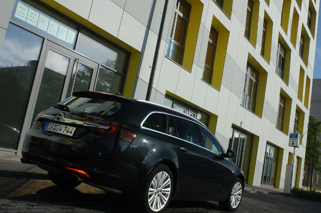 opel insignia sports tourer 2 0 turbo test empfehlung. Black Bedroom Furniture Sets. Home Design Ideas