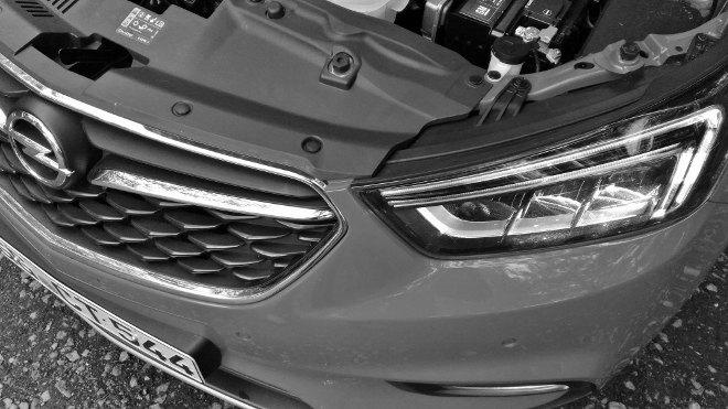 Opel Mokka X Diesel Scheinwerfer