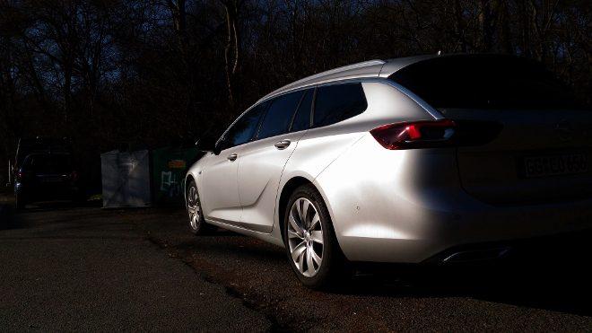 Opel Insignia Kombi Heck in Silbern