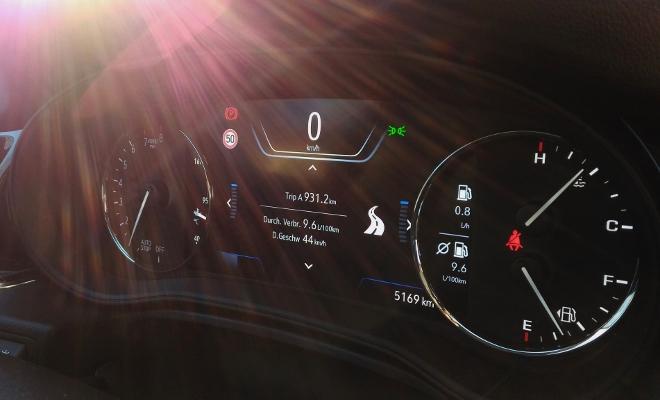 Opel Insignia Kombi digitale Instrumente