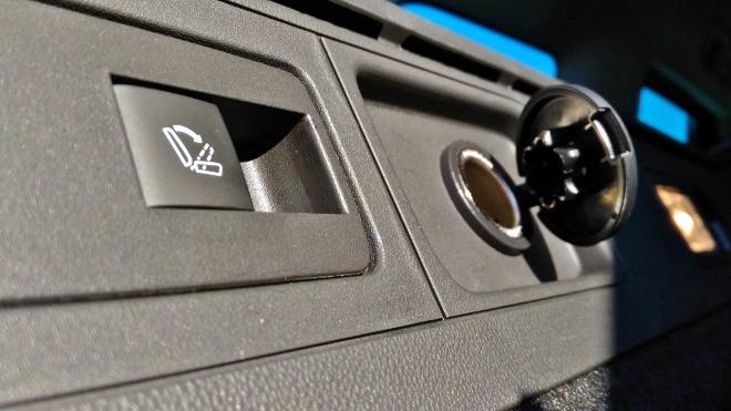 Opel Insignia Kombi 12 Volt Steckdose im Kofferraum