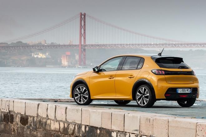 Peugeot 208 neu in gelb, Heck