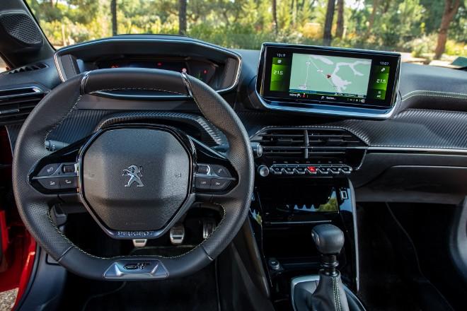 neuer Peugeot 208, armaturenbrett