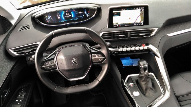 Peugeot 3008 Lenkrad, Armaturenbrett