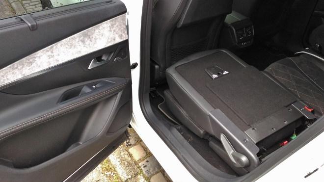 Peugeot 5008 GT Sitze flach gelegt