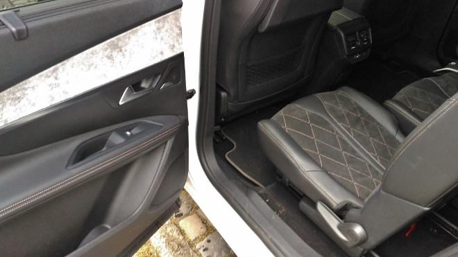 Peugeot 5008 verschiebbare Rückbank, vordere Stellung