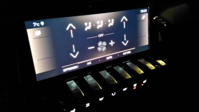Peugeot 508 GT Nachbeleuchtung der Klimatisierung