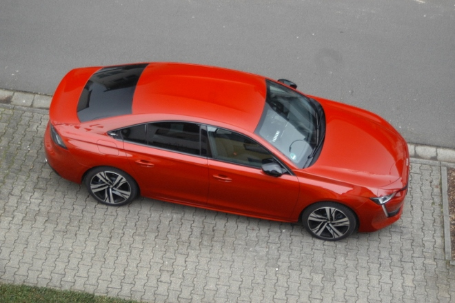 Peugeot 508 GT Limousine in Rot