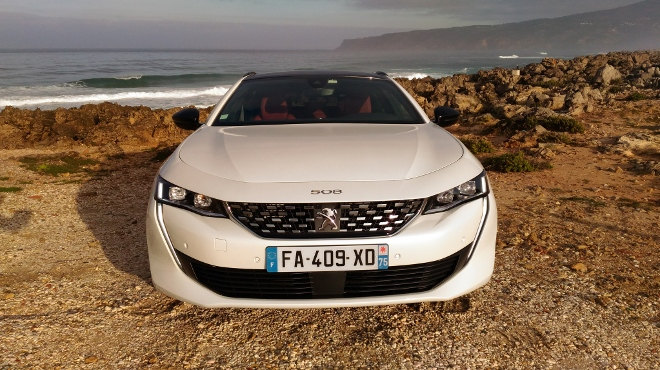 Peugeot 508 SW 2019 weiss Front, Grill