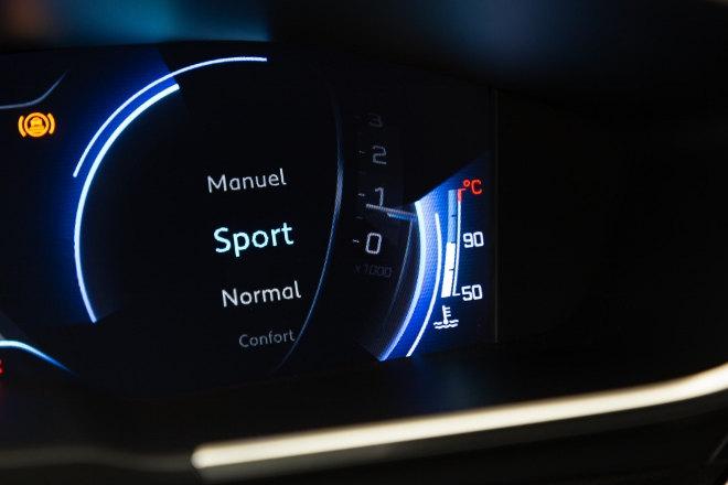 Peugeot 508 SW Sport Einstellung Tacho 2019