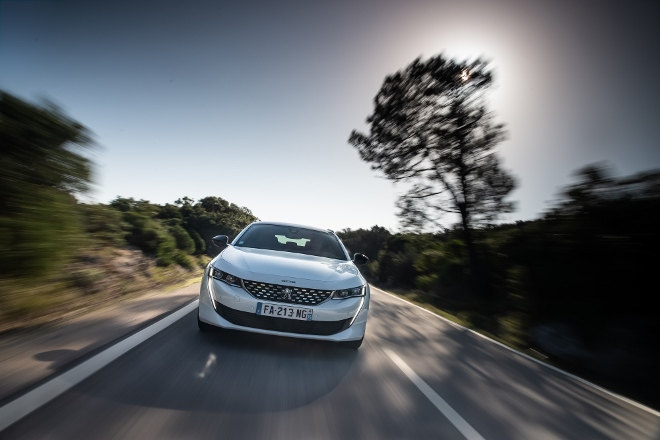 Peugeot 508 SW 2019 Frontansicht weiss