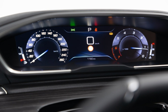 Peugeot 508 SW 2019 i-Cockpit, Tacho digital