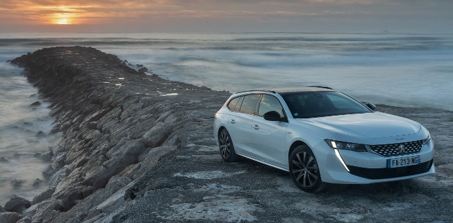 Peugeot 508 SW weiss Seitenansicht 2019