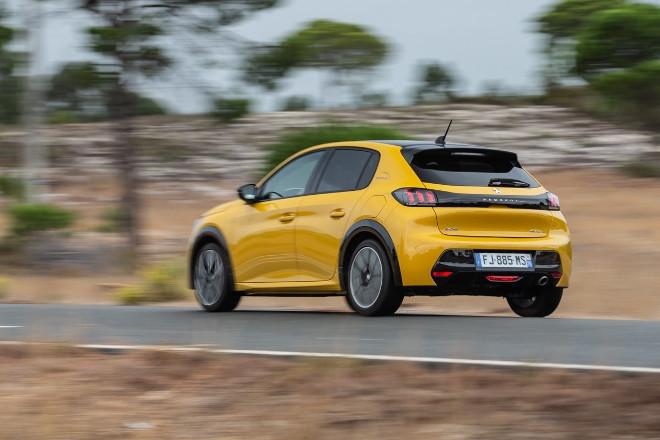 Neuer Peugeot 208 in gelb