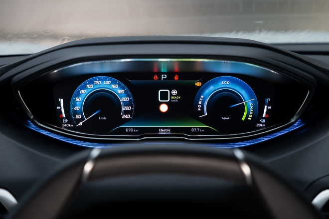 Peugeot 3008 Hybrid4 i-Cockpit, Tempo, Drehzahl
