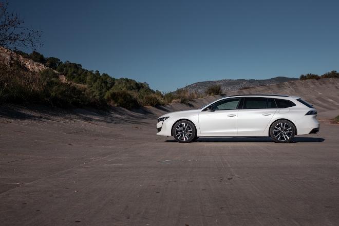 Peugeot 508 Kombi Plug in Hybrid weiss