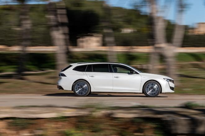 Peugeot 508 Kombi Plug in Hybrid Testbericht
