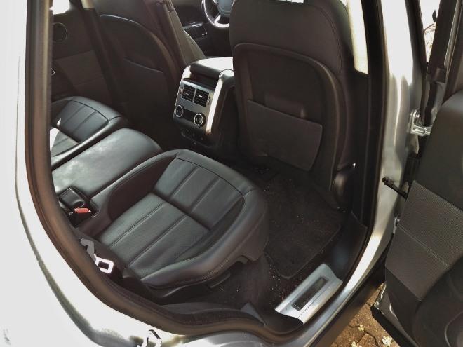 Range Rover Sport P400 hinten sitzen