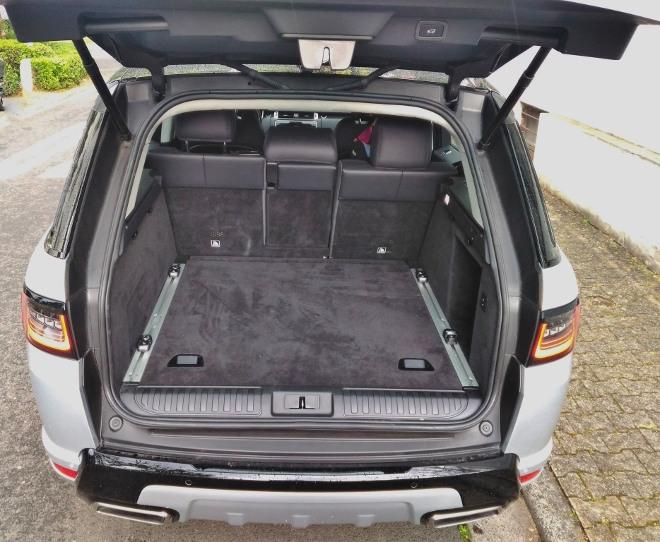 Range Rover Sport P400 Kofferraum und Kofferraumvolumen