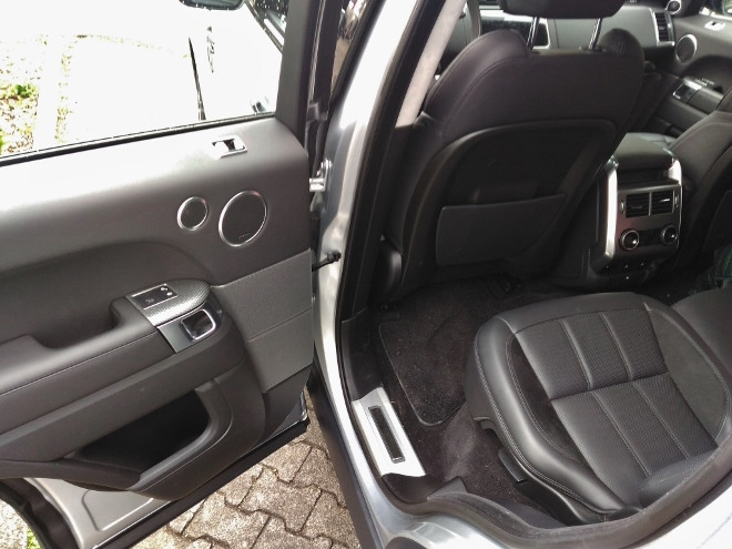 Range Rover Sport P400 Sitzbank schwarzes Leder