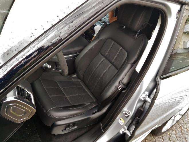 Range Rover Sport P400 Vordersitz schwarzes Leder