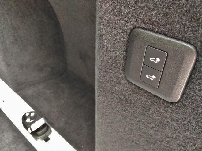 Range Rover Sport P400 Tasten Luftfederung Kofferraum