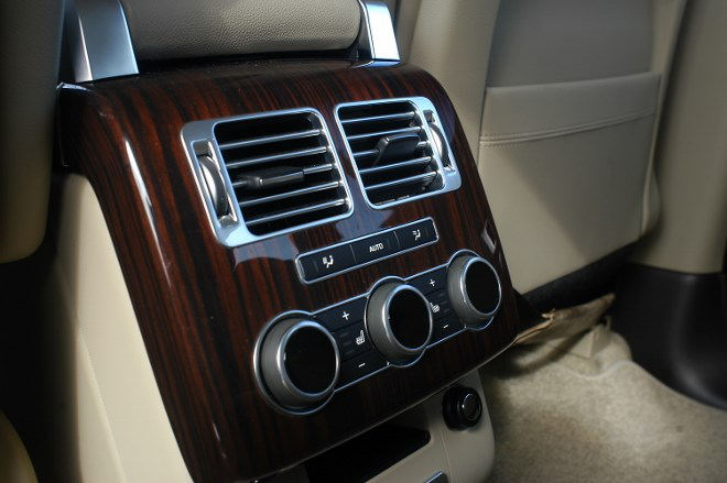 Range Rover 4.4 TDV8 Diesel Sitze hinten