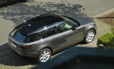 Range Rover Velar in grau und schwarz
