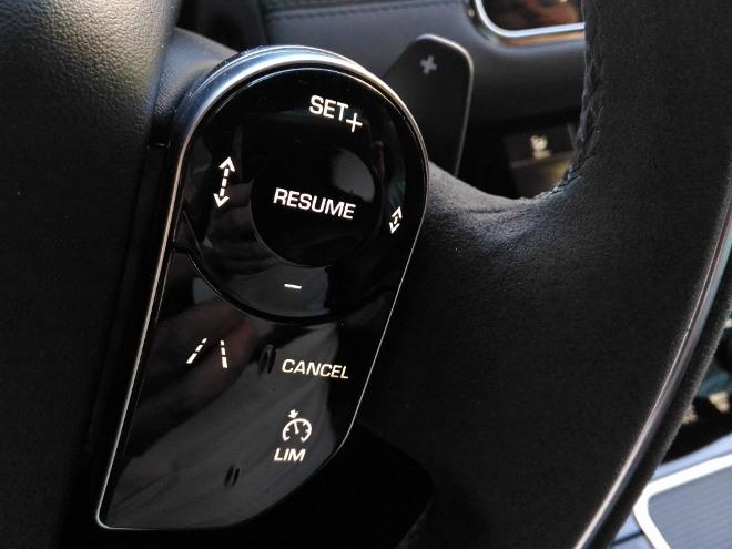 Range Rover Evoque neuer Tasten am Lenkrad