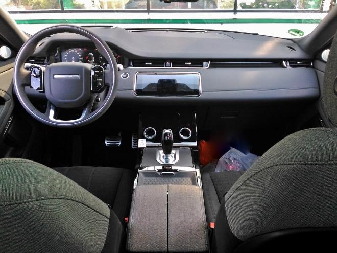 Range Rover Evoque D240 SE Armaturenbrett und Ausstattung