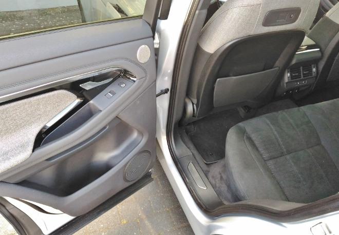 Range Rover Evoque neuer: Sitzbank und hinten sitzen. Platzangebot