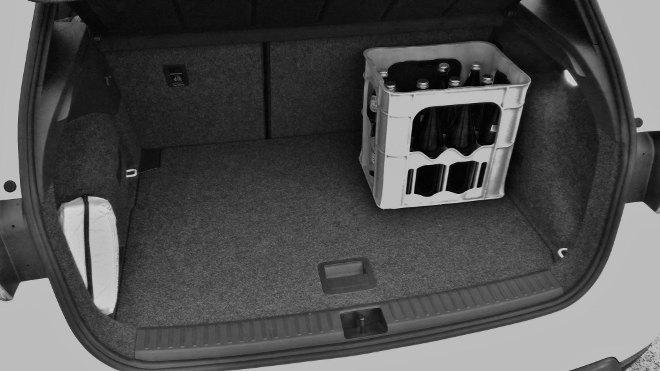 Seat Arona Platzangebot im Kofferraum mit Wasserkasten, Volumen