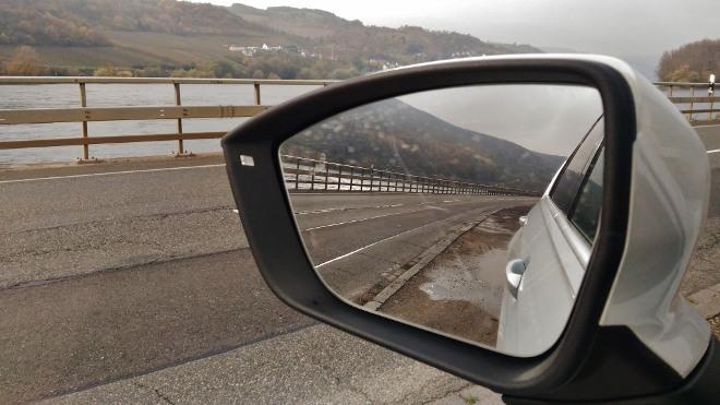 Seat Tarraco SUV weiss Rückspiegel
