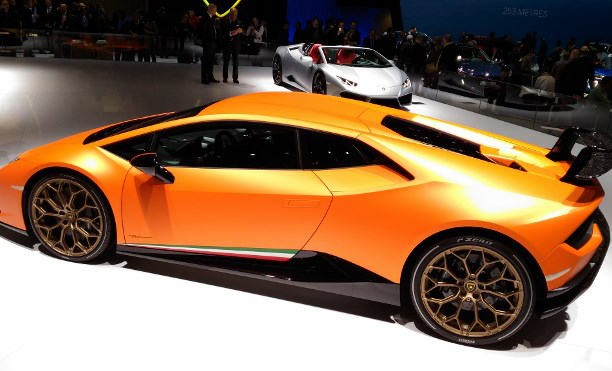 Autsalon Genf 2017 Sportwagen und Supersportwagen, Lamborghini