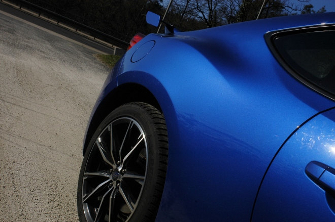 Subaru BRZ Facelift Blau Spoiler