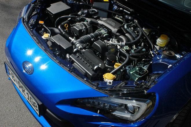 Subaru BRZ Facelift Blau Motor
