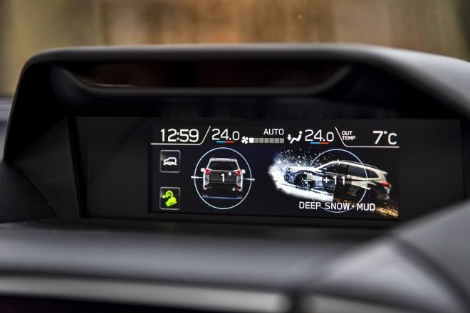 Subaru Forester Hybrid e Boxer Anzeige der Gradzahlen