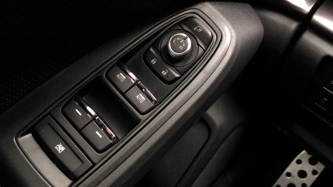 Subaru Impreza 2019 Fensterheber und Spiegelverstellung