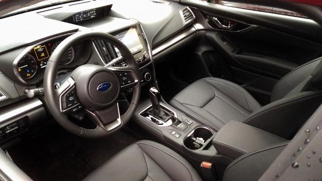 Subaru Impreza 2019 Vordersitze und Cockpit
